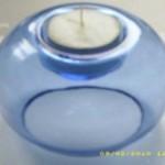 48 Teelichthalter aus blauem Glas