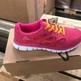 Schuhe Adidas, Puma, North Face, Asics